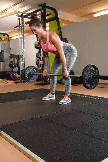 Junge Frau beim Sport
