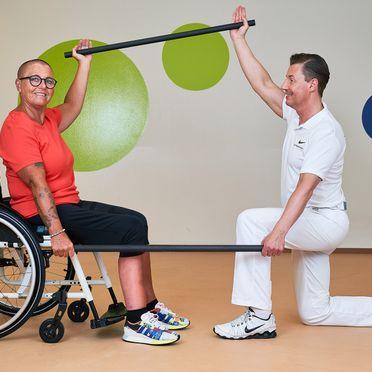 Person bei der Physiotherapie